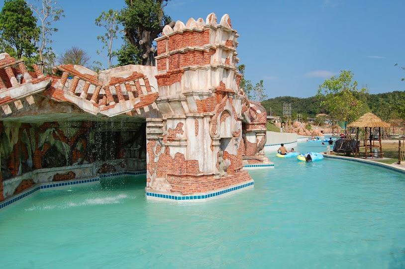 สวนน้ำพัทยา-Lazy Wavy River (4)