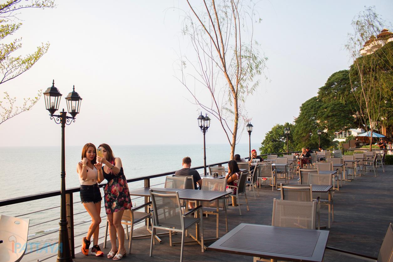 The Chocolate Factory Pattaya เดอะ ช็อกโกแลต แฟคทอรี่ พัทยา 2