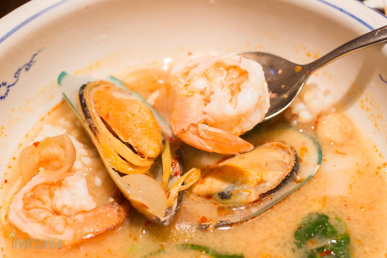 seafood buffet pattaya marriott courtyard pattaya26